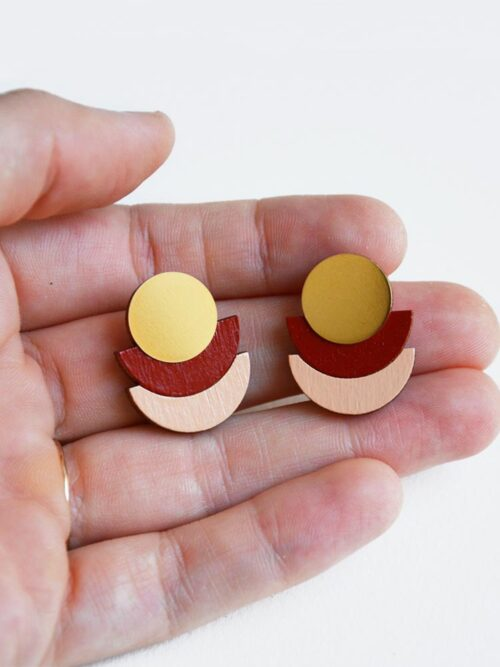 Delicate and modern stud earrings