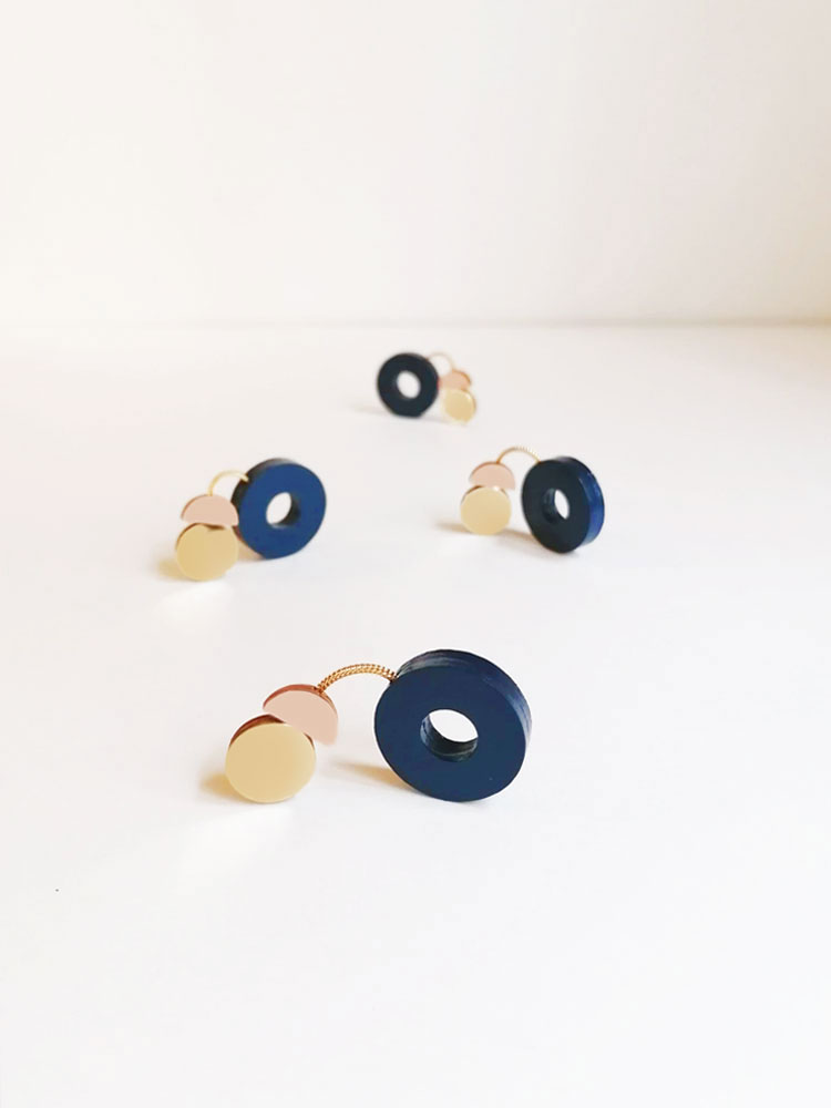 Cometa Dangle Earrings Nude and Blue